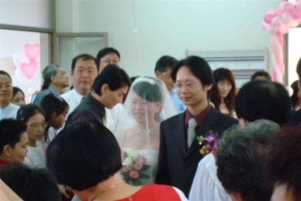 新娘進場囉