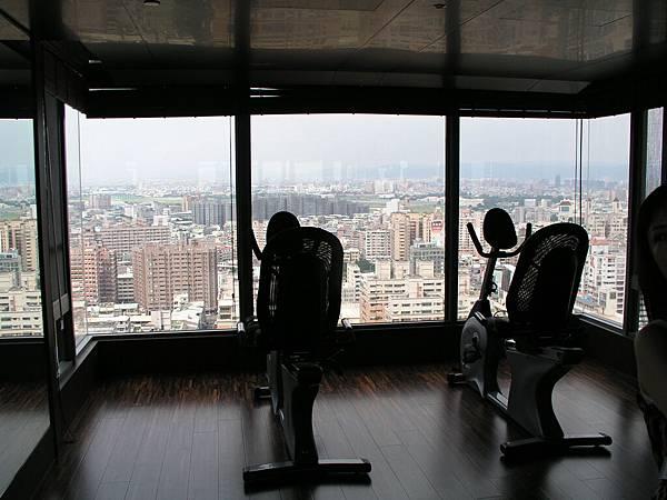 空中景觀健身房.JPG