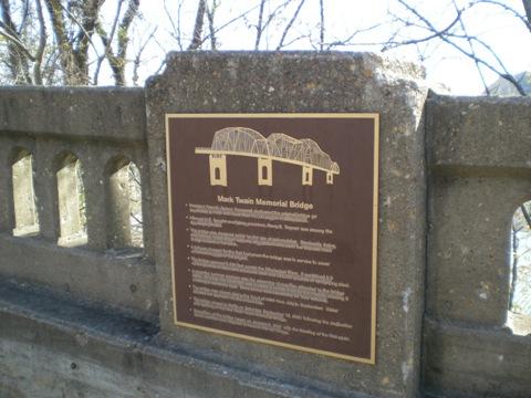 馬克吐溫紀念橋1.jpg