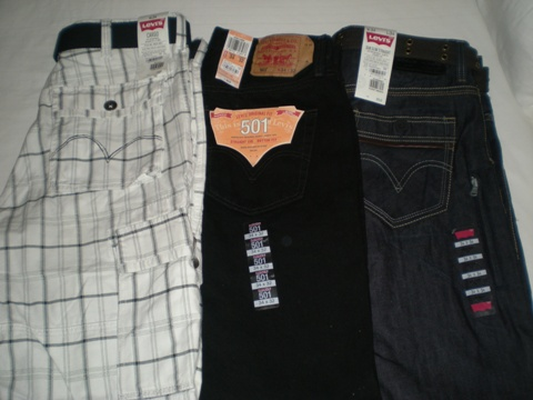 很多牛仔褲.jpg