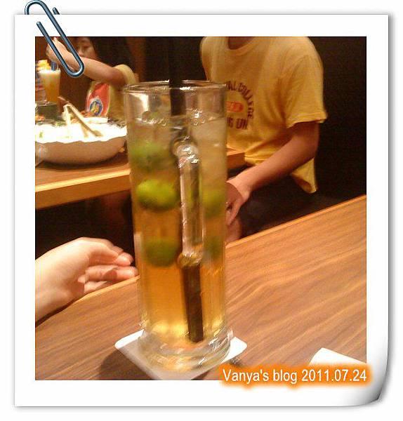 高雄五福大統之居食屋和民-老媽和老妹點了冰金桔綠茶