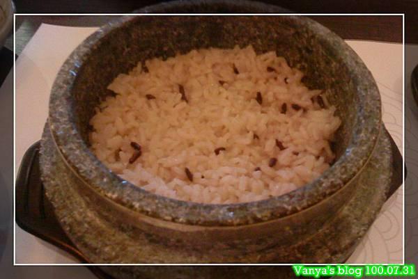 高雄韓式料理之淨豆腐-附餐石鍋飯