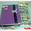2012珠友一日一頁手帳-紫色控,與伽伽團購,送小貼紙