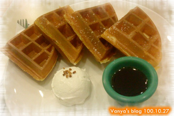高雄夢時代3F波哥茶館-楓糖奶油鬆餅,奶油很好吃!