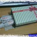 利用義美小蛋卷盒,製作花邊帶的收納盒
