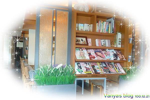 高雄2樓的故事-書架區