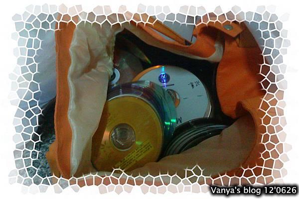 順便清理出一堆打算回收的光碟,量多~~