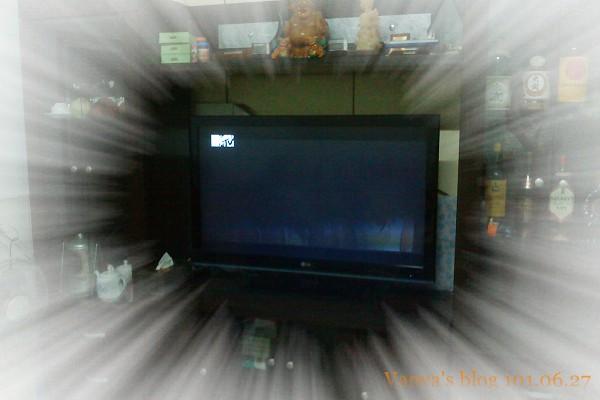 客廳42吋-平面新TV