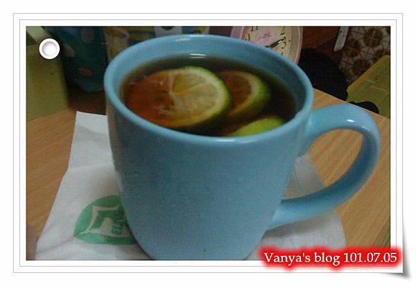 老媽牌紅茶加入檸檬片