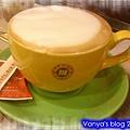 西雅圖咖啡-中杯熱卡布奇諾,本人的~