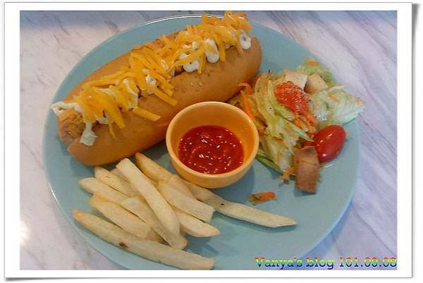 高雄The cafe'-香酥鮪魚潛艇堡,輕食套餐