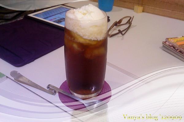 高雄The cafe'-妹點的冰淇淋紅茶