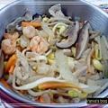 午餐便當-老媽牌蔬菜蝦菇炒麵