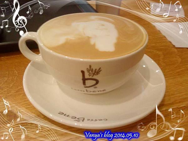 高雄大遠百caffe bene-卡布奇諾