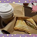 韓國釜慶-燻雞火腿三明治與卡布奇諾