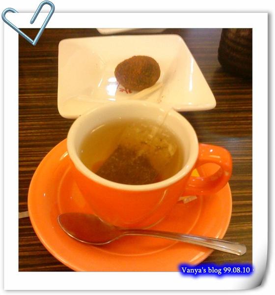 樹太老日式定食專賣店-穎的甜點熱紅茶及日式黑糖紅豆麻吉