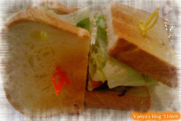 高雄 alwaya a+ 之穎點的丹麥煄雞三明治,丹麥土司很讚