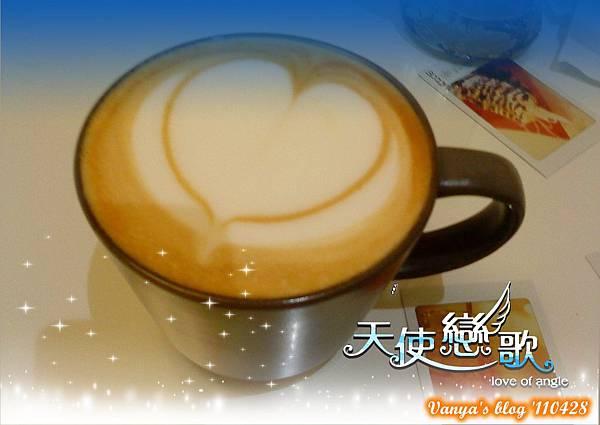 高雄咖啡林咖啡0428-無糖熱卡布,愛心拉花