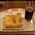 椰香起酥與紅茶餐點