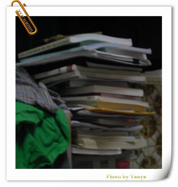 越堆越高的書本