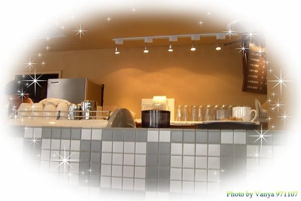 料理區及杯盤放置區