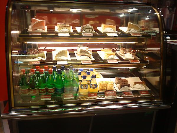 高雄漢神之西雅圖咖啡的蛋糕區