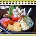 """""""聚""""之穎的蔬食套餐鍋,主餐為滿滿的蔬菜唷!"""
