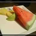 """""""聚""""之汪與哞的嚴選套餐,附上水果"""