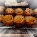 高雄中山品田牧場-黃金泡菜/海老沙拉雙味豬排餐,有附特有泡菜醬汁