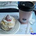 金礦咖啡下午茶-無糖熱拿鐵及草莓仕蛋糕