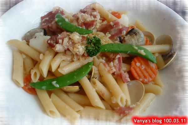 高雄米塔新餐館-姻姻點的白酒蛤蜊蒜味義大利麵,管麵