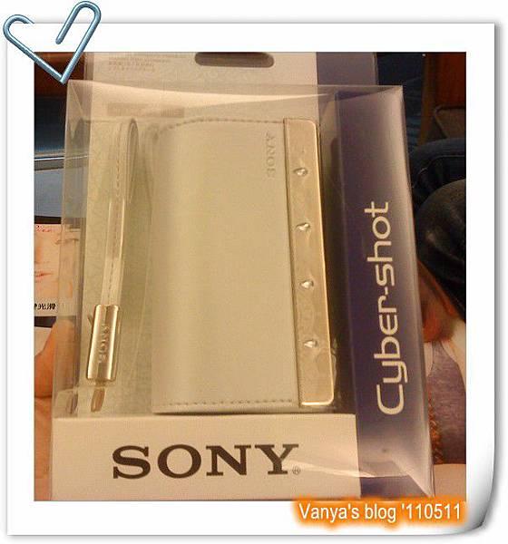 小雞買的新數位相機-SONY T110D原廠皮套