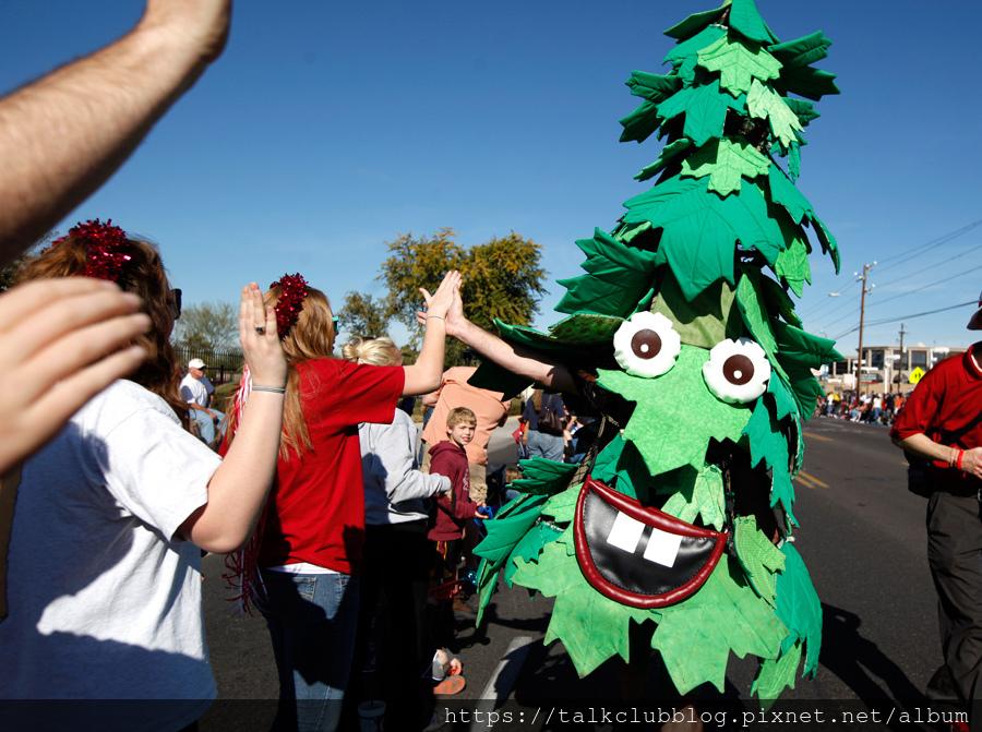 Stanford Tree mascot_2.jpg
