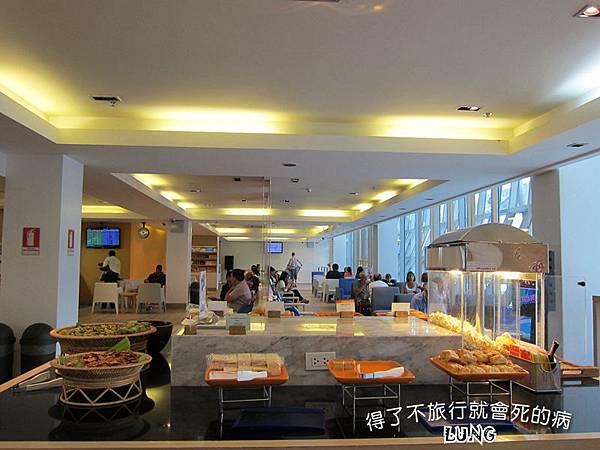 曼谷機場貴賓室 (7).JPG