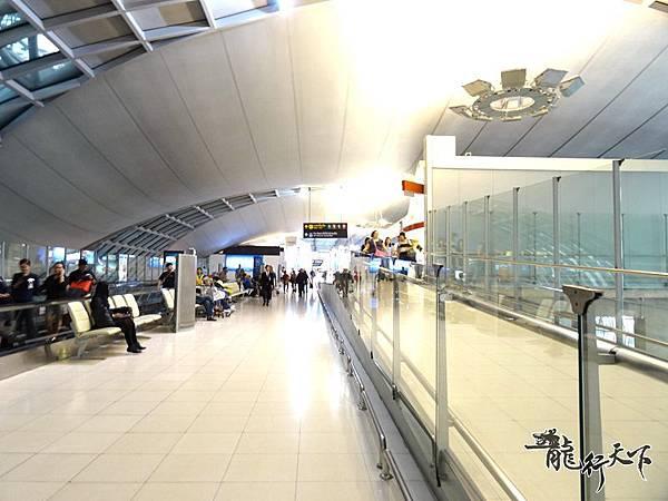 曼谷機場回程轉機 (1).JPG