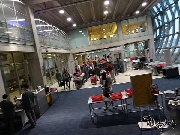 曼谷機場回程轉機 (8).JPG
