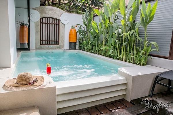 hydro-pool-villa_5.jpg