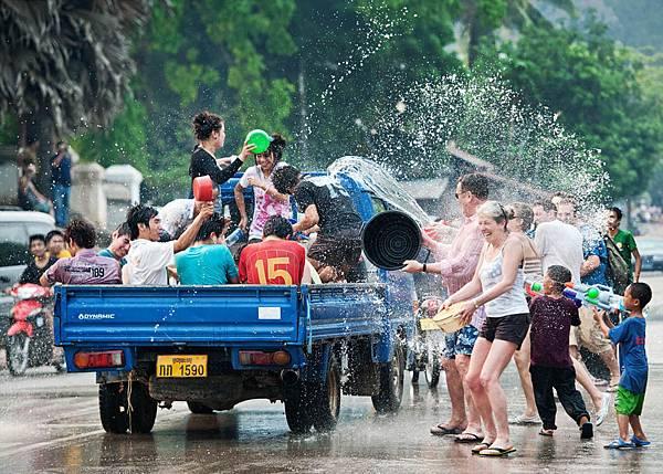 luang-prabang-festival-boun-pi-mai.jpg