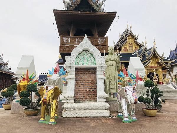 泰北清邁藍廟 (5).JPG