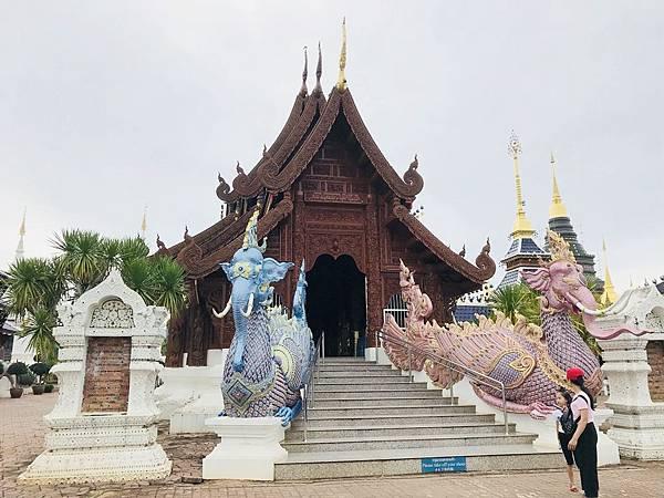 泰北清邁藍廟 (1).JPG