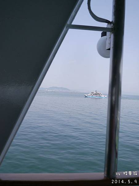 在瀨戶內海,往宮島的航道上。2014.5.9