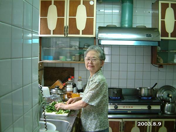 外婆的廚房,小小的卻無敵足夠