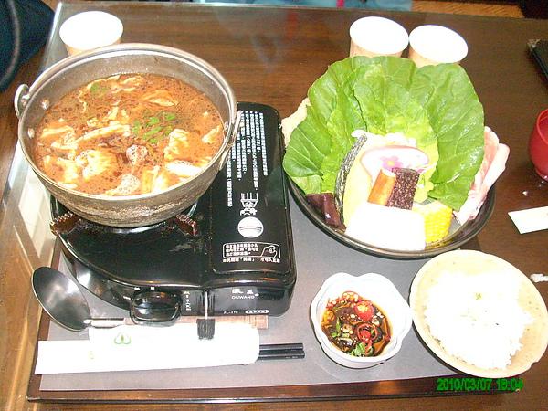 沙茶皮蛋鍋(美味)