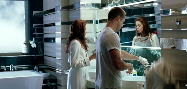 Mr.-and-Mrs.-Smith-movie-house-bathroom.jpg