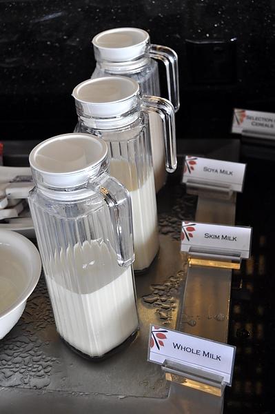 各種牛奶.jpg