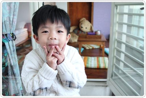 依谷日安 (35)