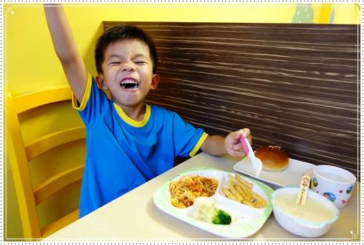 樂氣球親子餐廳 (32).JPG