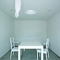 kuribayashi-sumpf-land-1400x2096