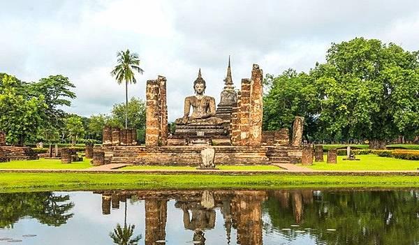20191225%20Wat-Mahathat-Sukhothai-Historical-Park.jpg