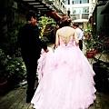 協助新人訂婚儀式